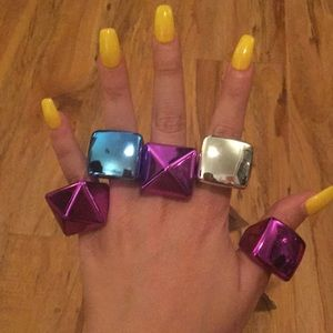 Jewelry - Bundle of 5 Rings